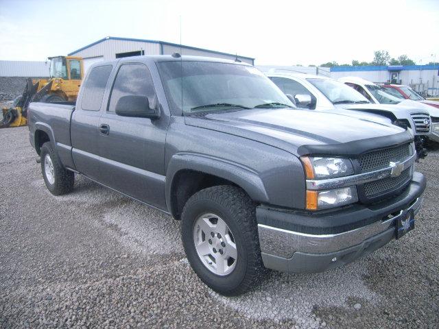 Chevrolet Silverado on 2004 Chevrolet Blazer